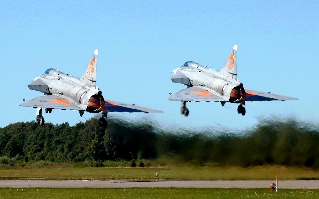 SAAB JA 37 Viggen jet fighter wallpaper 3