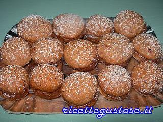 http://www.ricettegustose.it/Biscotti_1_html/Baci_di_sorrento_con_cioccolato_al_latte.html
