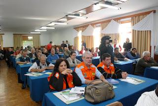O encontro reuniu representantes das prefeituras de Teresópolis, Nova Friburgo, Sumidouro, Bom Jardim e São José do Vale do Rio Preto, além de membros da Associação dos Produtores Rurais, políticos, vereadores e secretários municipais