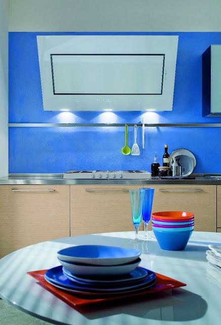 Idee Luminaire Chambre Bebe : Cuisine aux couleurs flashy