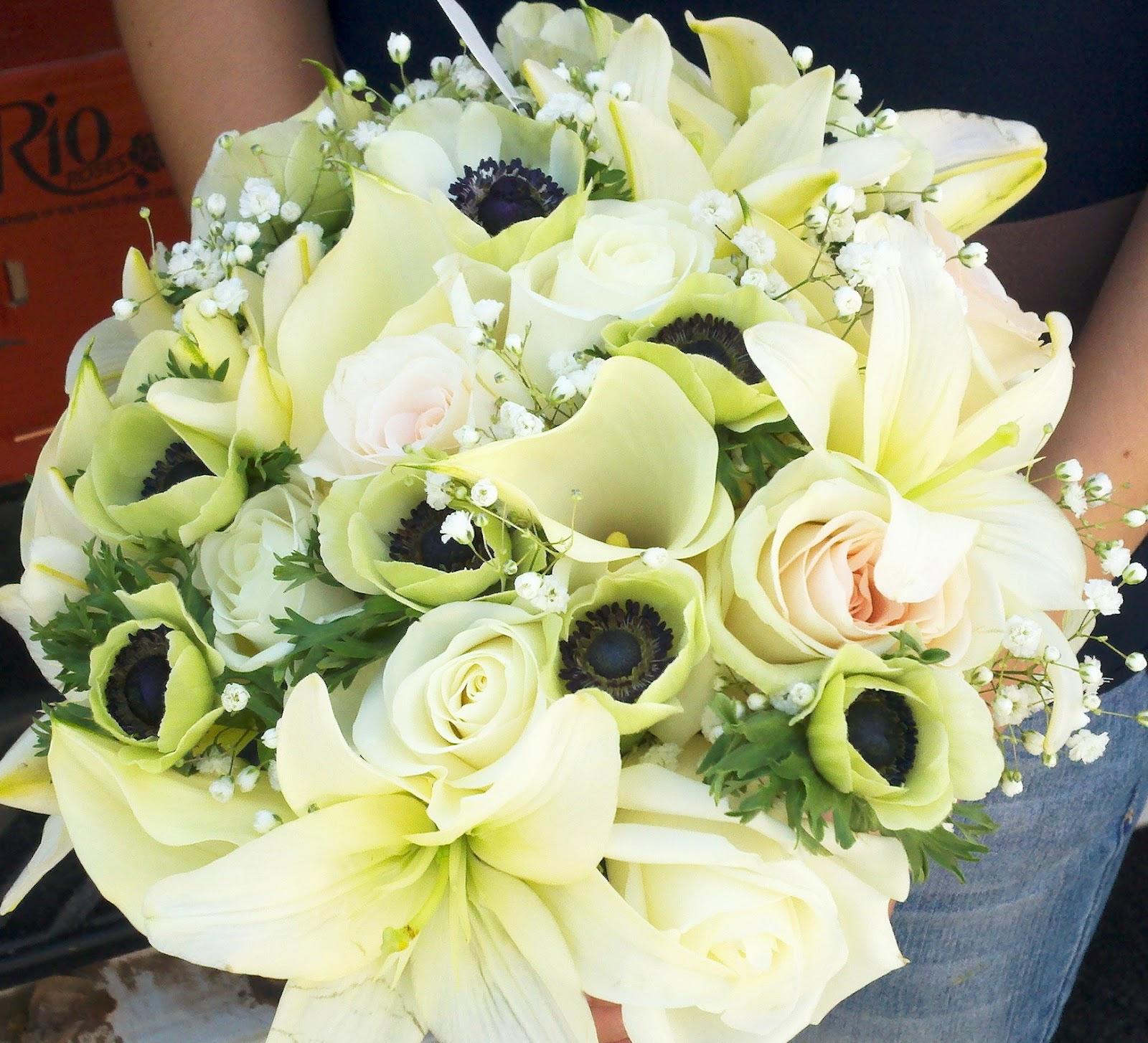 ny engagements llc planning bridal blog roundhouse wedding flowers september 22 2012. Black Bedroom Furniture Sets. Home Design Ideas