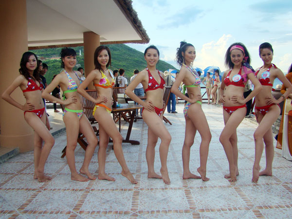 duong truong thien ly miss vietnam world 2008 photos 01