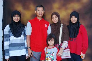 Sudayat dan Keluarga