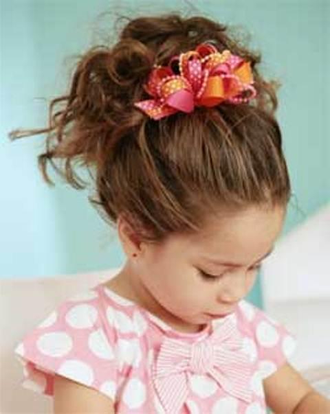 Красивые прически для девочек на средние волосы для праздника