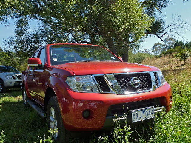 2012 Nissan Navara Facelift Red Color Photo Gallery
