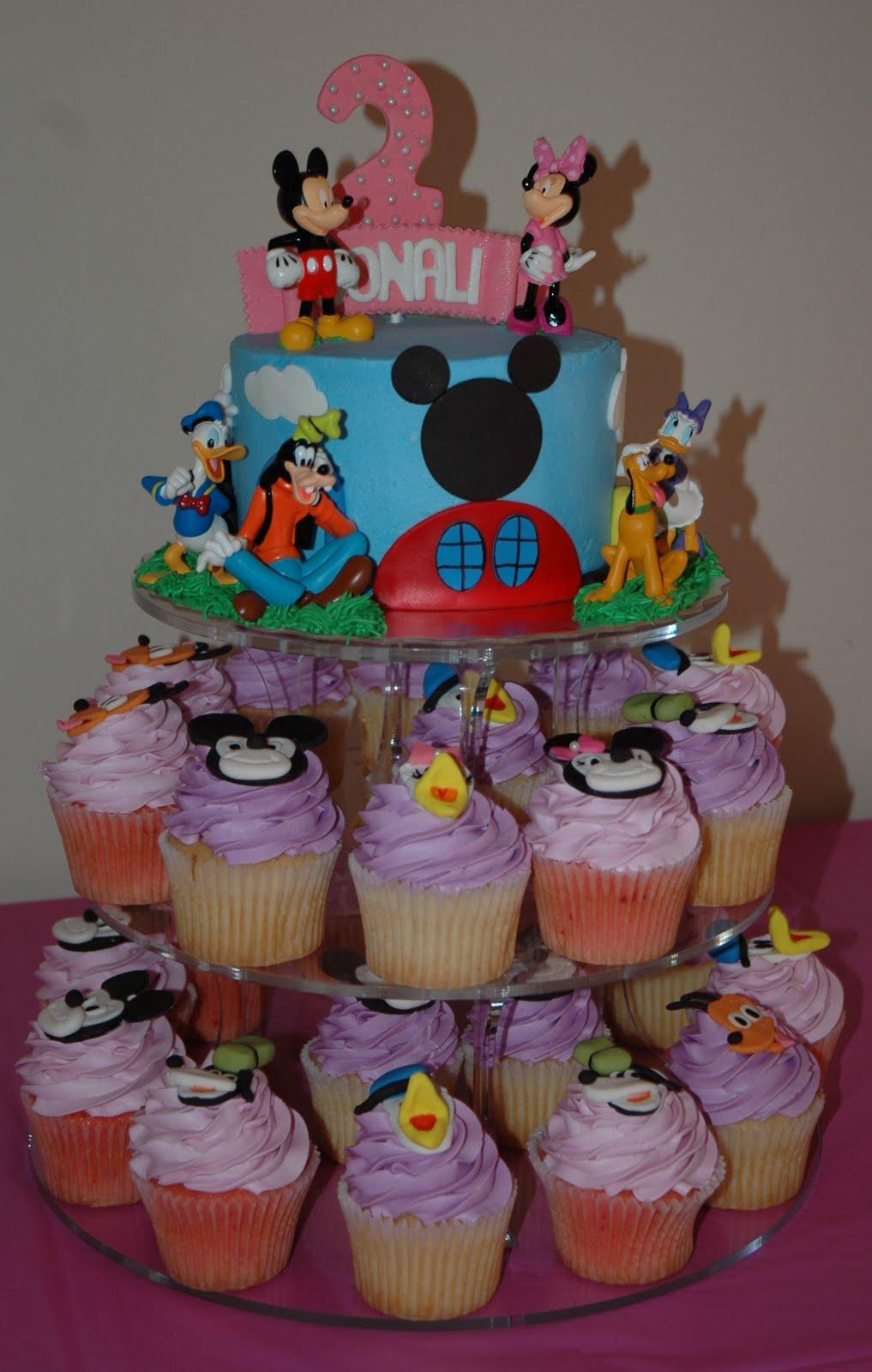 Papier peint intissé S M L XL XXL und 3XL Disney Mickey  - Papier Peint Mickey Mouse