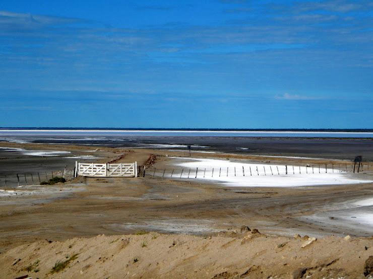 Desde lo alto de las rocas de sal se observaba este paisaje