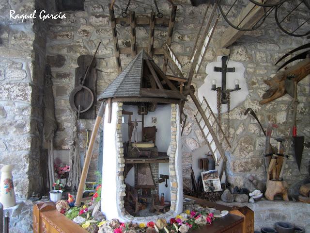 Maqueta de molino de viento en el interior del Molino de Olabarri en Zeanuri (Bizkaia)