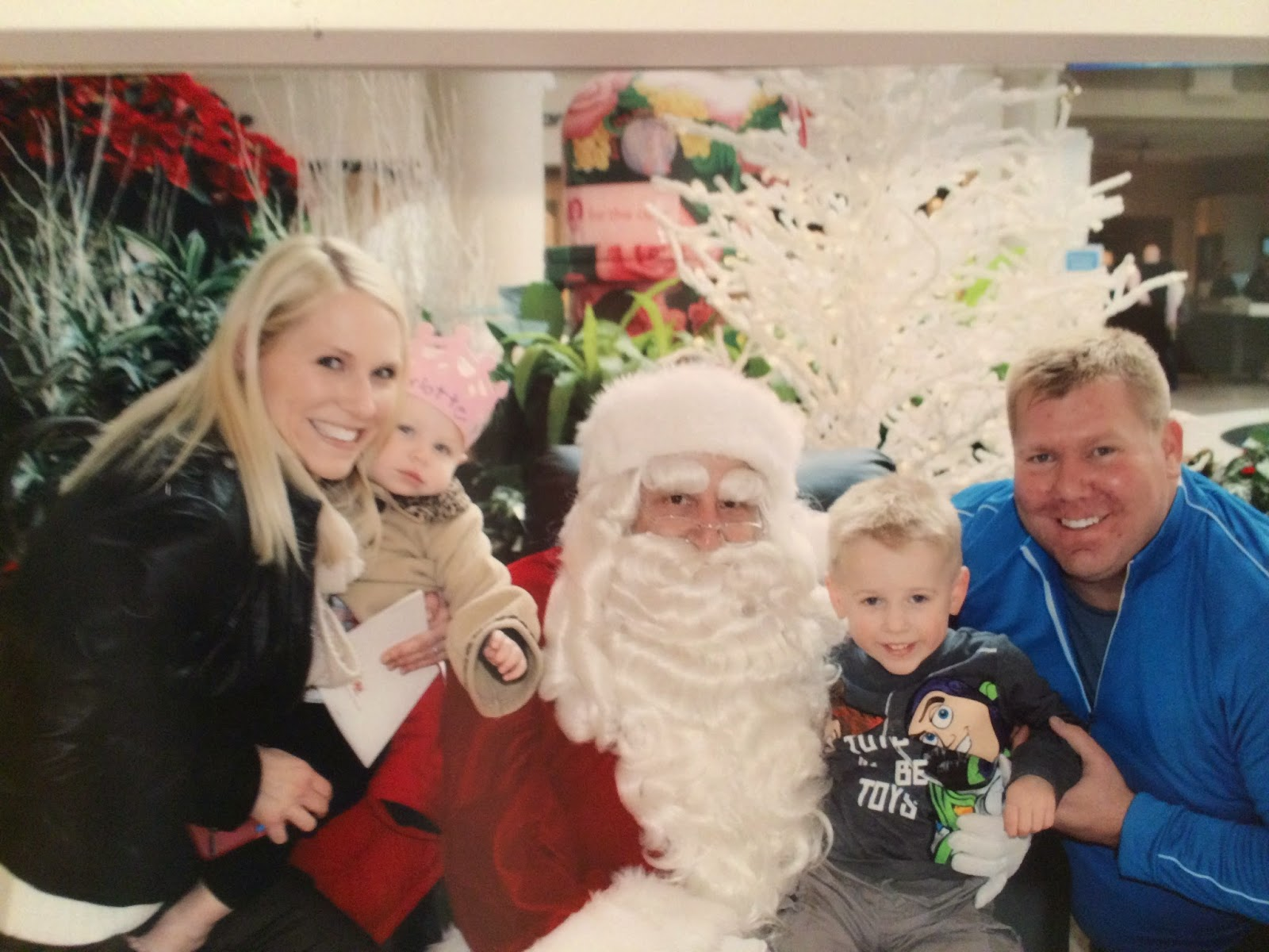 Family photo with Santa at Abt in Glenview!
