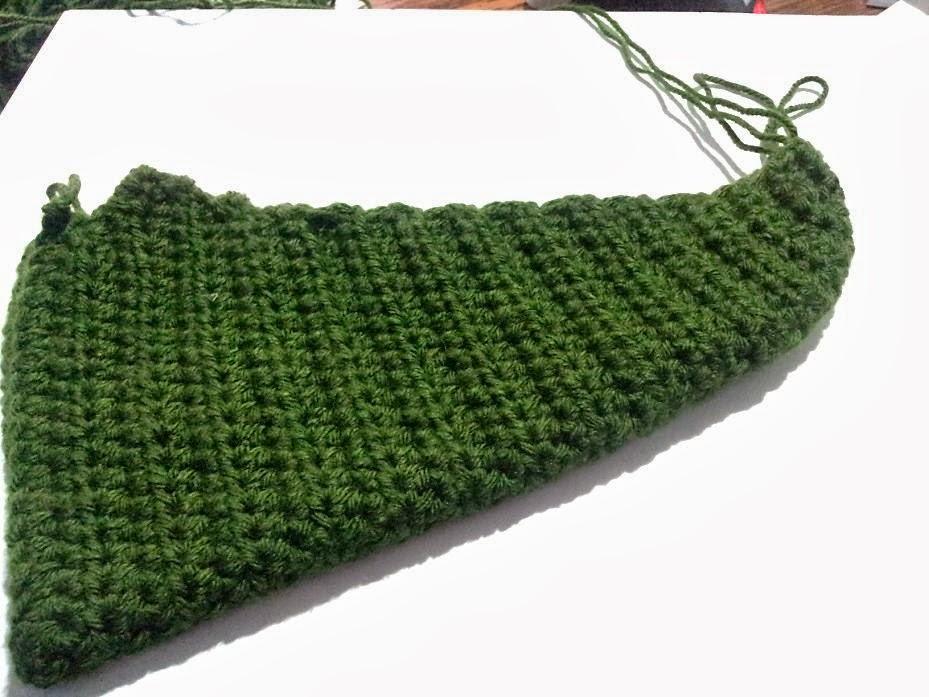Shushs Handmade Stuff: Elf in Green - crochet slippers ...