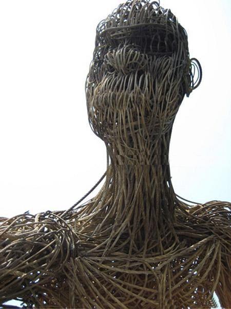 http://1.bp.blogspot.com/-bHwX2_LT93o/TeHTUEwVyCI/AAAAAAAAnIw/rTNBErDN_tI/s1600/Gigantic%2BSculpture%2Bof%2BMan%2Bfrom%2Bthe%2BRopes%2B%25285%2529.jpeg