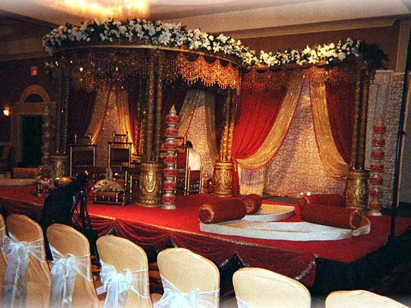 indian wedding stage decorations shaadi. Black Bedroom Furniture Sets. Home Design Ideas