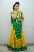 Shilpa chakravarthy sizzling photos-thumbnail-17