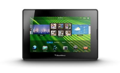 Desde que BlackBerry remodelara su estrategia de negocio y se planteara impulsar su sistema operativo con nuevos equipos, se ha rumoreado que los canadienses podrían estar preparando una tableta con BB10. Si ya hemos visto un primer smartphone, el BlackBerry Z10, ¿no sería posible el lanzamiento de una BlackBerry Tablet? Así lo apuntan los últimos datos que además, añaden que llegará al mercado a finales de este año. En la presentación realizada por BlackBerry –el nombre de RIM es parte del pasado–conocimos su primer terminal inteligente, el Z10, y las cualidades de su sistema operativo,BB10, un software que también podrá