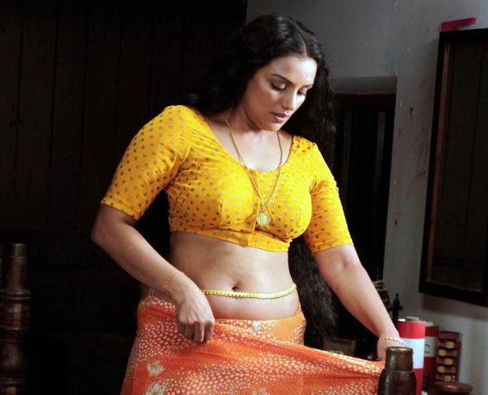 rathi nirvedam movie spicy