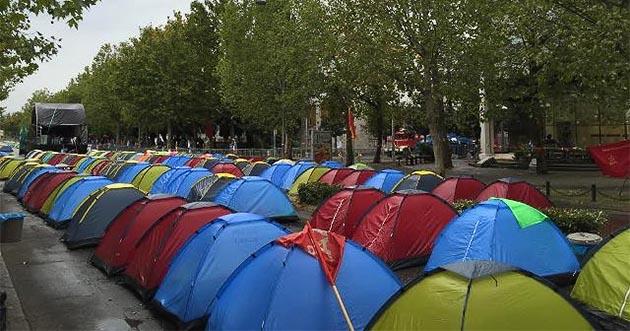 Јаку вољу за променама у Црној Гори ни киша не може да поквари (ВИДЕО) Црна, Гора, Протести, км, новине, вести, косово,