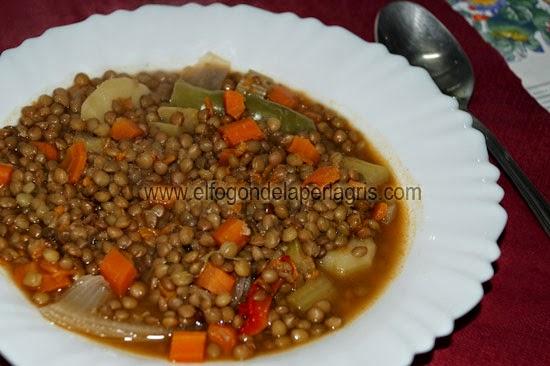 Lentejas estofadas con verduras el fog n de la perla gris for Cocinar lentejas con verduras
