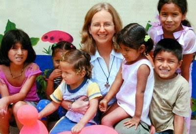 misionera niños alegres
