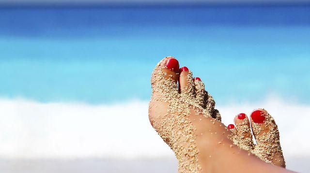 Miss beaut addict conseils pour avoir de joli petons la plage - Bain de pied au gros sel et vinaigre ...