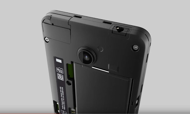 come rimuovere batteria nokia lumia 630 e 635