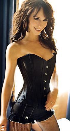 Jennifer Love Hewitt definitely not fat!