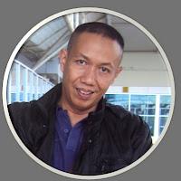 Ini kang hariyanto, blognya hampir dipenuhi dengan pengalamannya dalam bertualang, orangnya sudah banyak keliling kota di indonesia, blognya keren. coba deh kunjungi blog mereka .: http://hariyantowijoyo.blogspot.com
