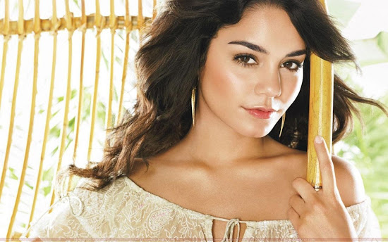 vanessa_anne_hudgens_glamour_wallpaper