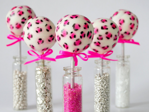 Leopard print cake pops by Torie Jayne