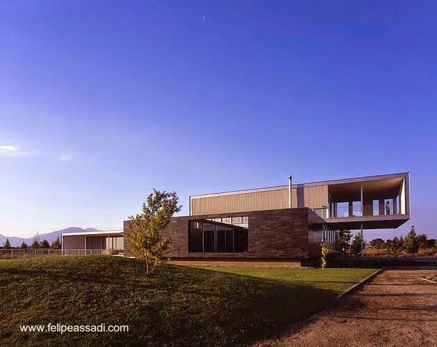 Residencia minimalista volada en Chile