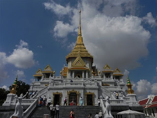 The beautiful building travel asia thailand s seven for Asia famous buildings