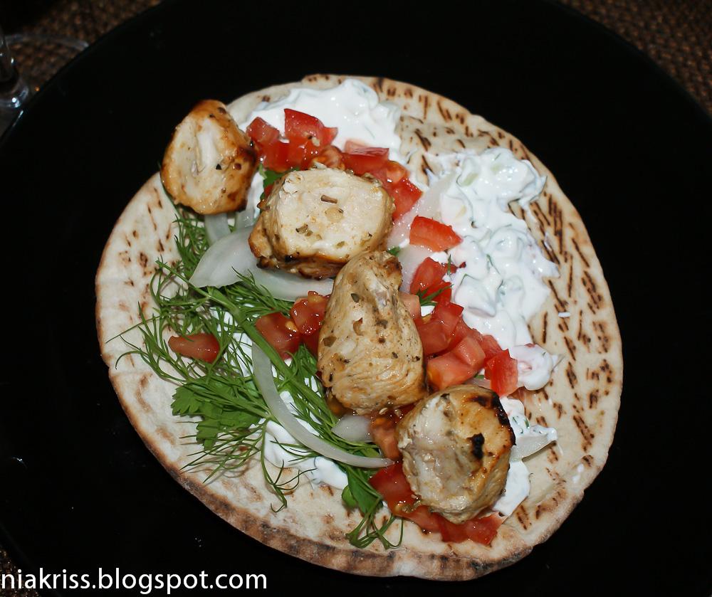 Блюда красной икрой фото