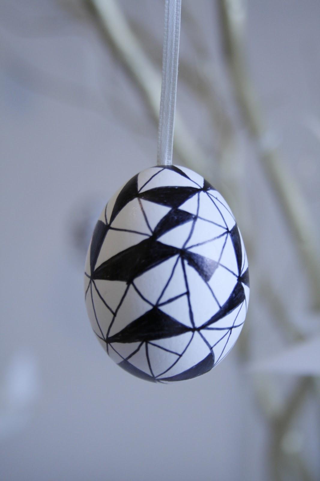 schwarze deko eier
