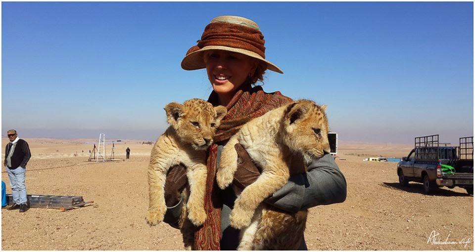 """23 Abril - El Distribuidor de """"Queen Of The Desert"""" en Rusia ha publicado estas imágenes en su Facebook!!! 11105149_983852794959601_6600723290553026271_n"""