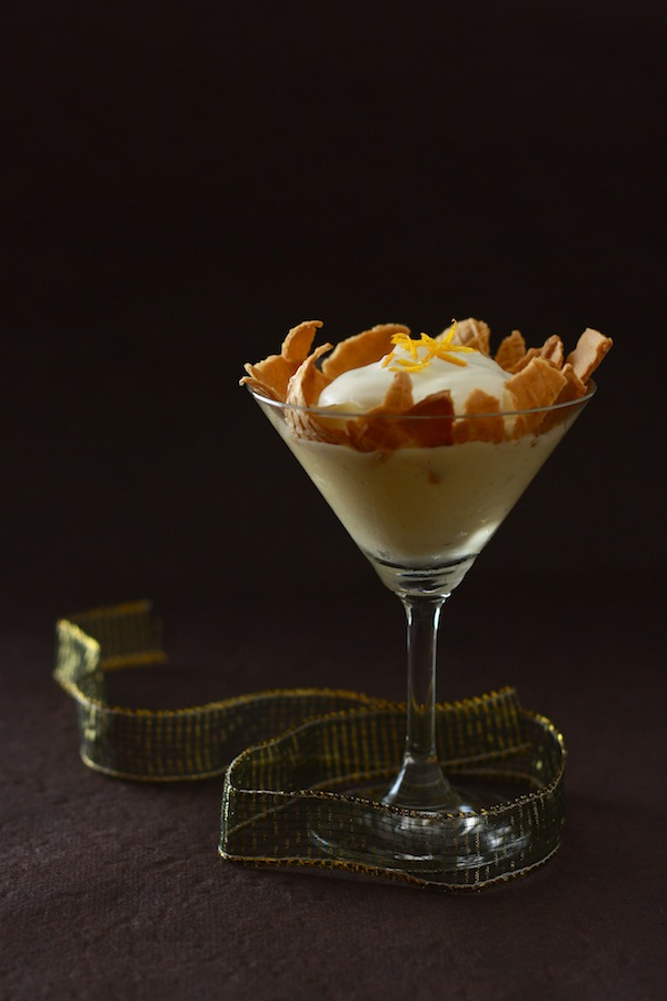 Banana Cream Pie in a glass by SeasonWithSpice.com
