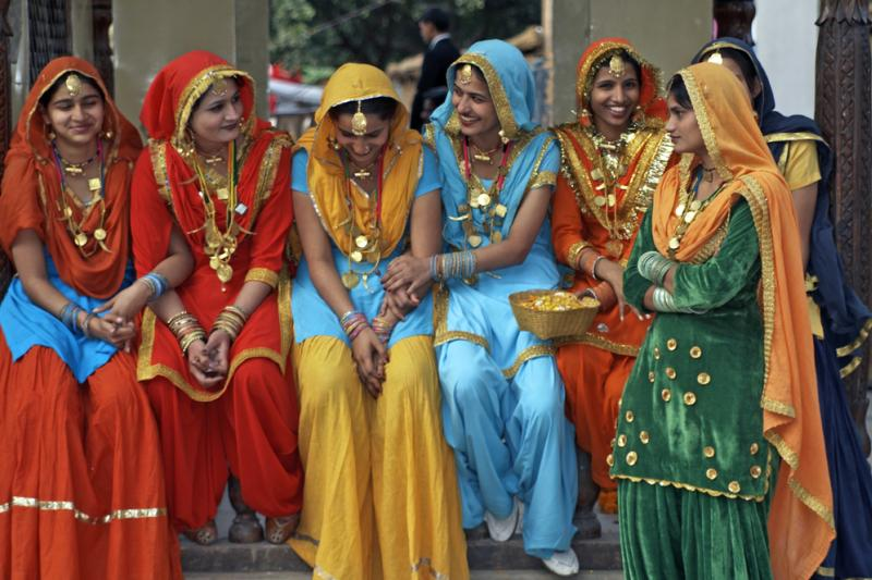 GREAT ENTERTAINMENT: CLOTHING IN INDIA