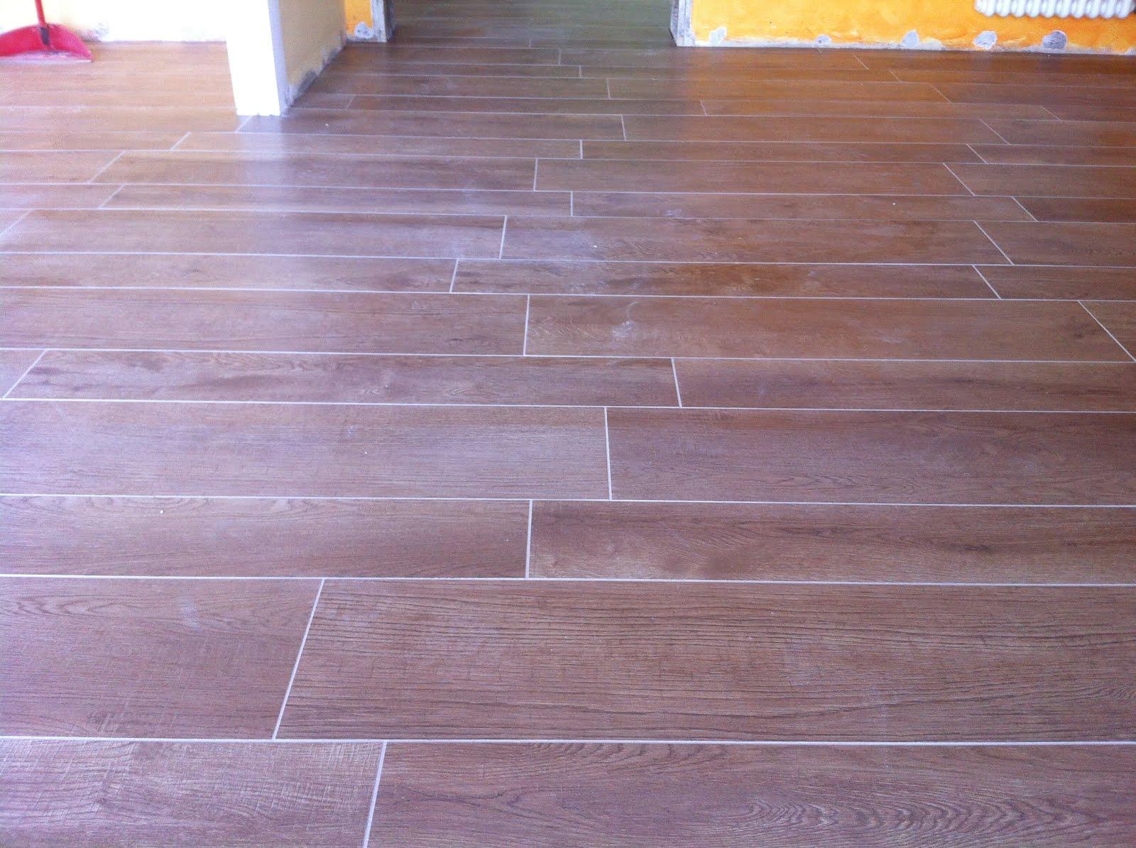 Pavimentazioni interne gabbatore mattia for Gres effetto legno senza fuga