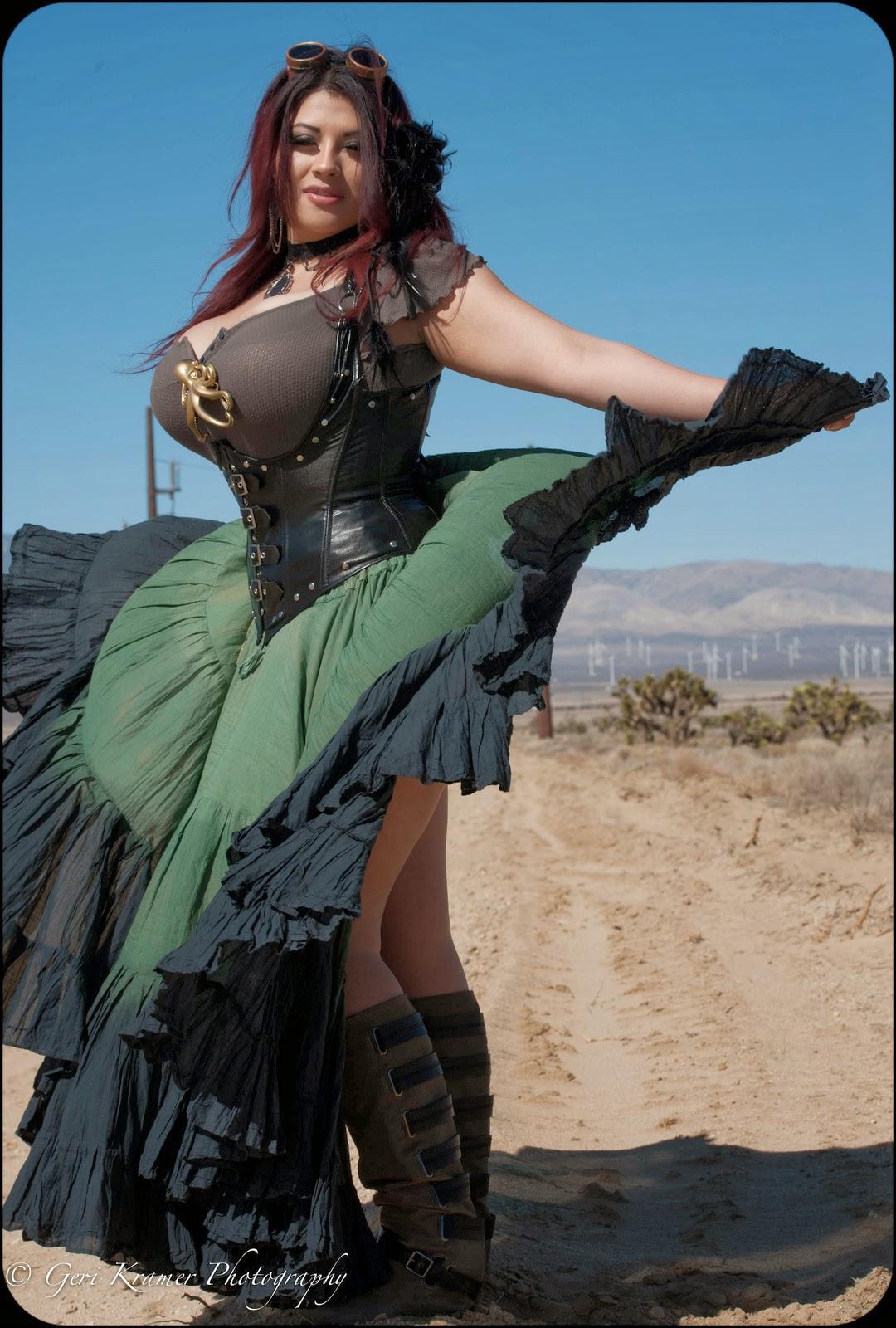superbe BBW en steampunk jupe et corset
