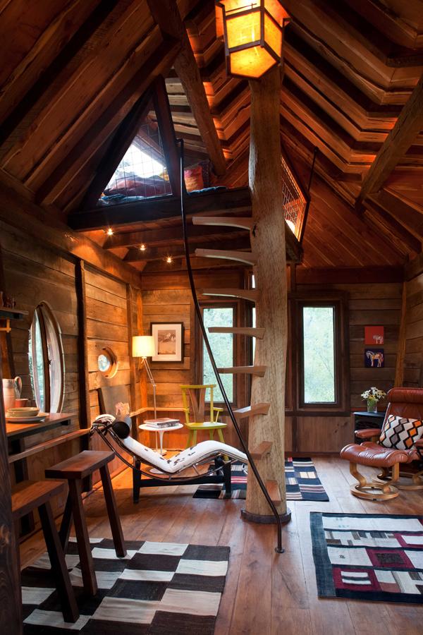 vista del interior general cabaña en el arbol
