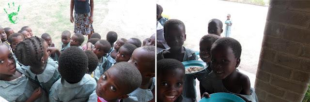 Immagini dei bambini a scuola nella missione in Togo