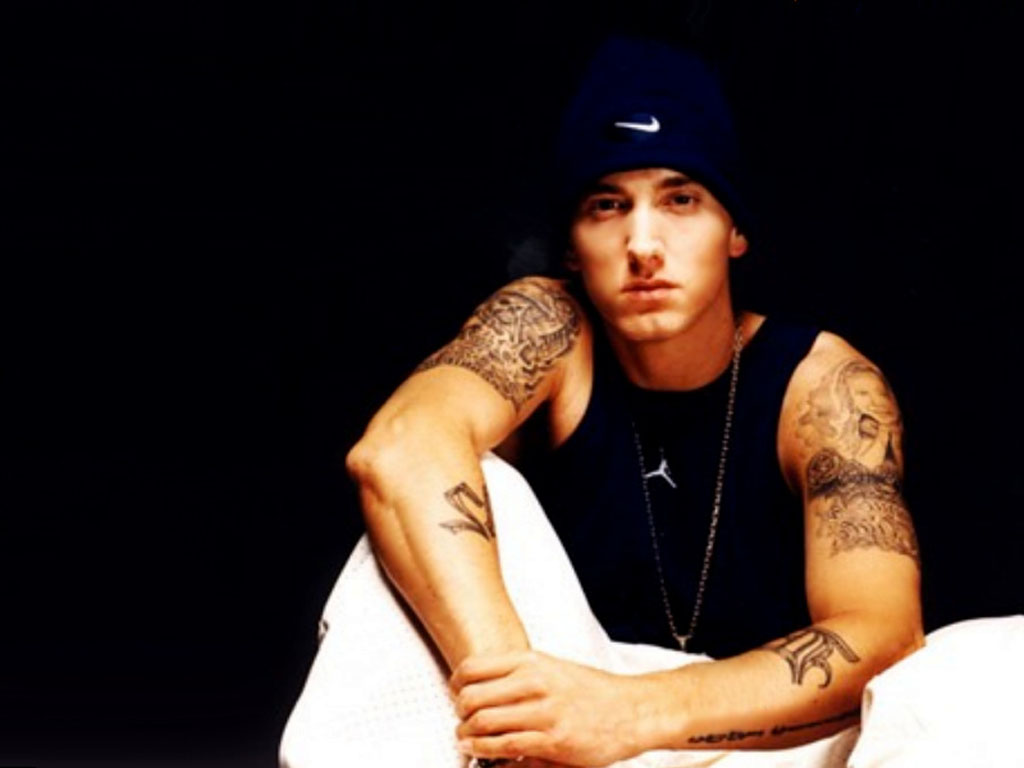 http://1.bp.blogspot.com/-bKkXN0uquBM/UE2aC0cjviI/AAAAAAAABYc/MBzCVBNxPgI/s1600/Eminem+HD+Wallpaper+2012-2013+03.jpg