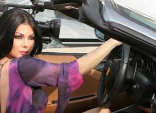 """مشاهدة كليب النجمة هيفاء وهبي أغنية """"إزاي أنساك"""" يتجاوز  الـ 600,000 مشاهد على YouTube بعد اشاعة مقتلها"""