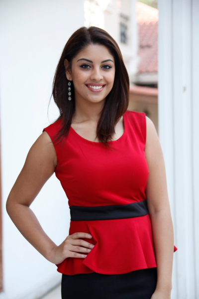 Richa gangopadhyay red hot