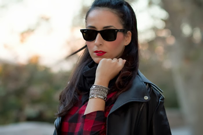 Fashion Blogger Streetstyle Rock Leather tartan print