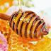 Μια κουταλιά μέλι κάνει... πέρα ρυτίδες, πονόλαιμο και αϋπνία;