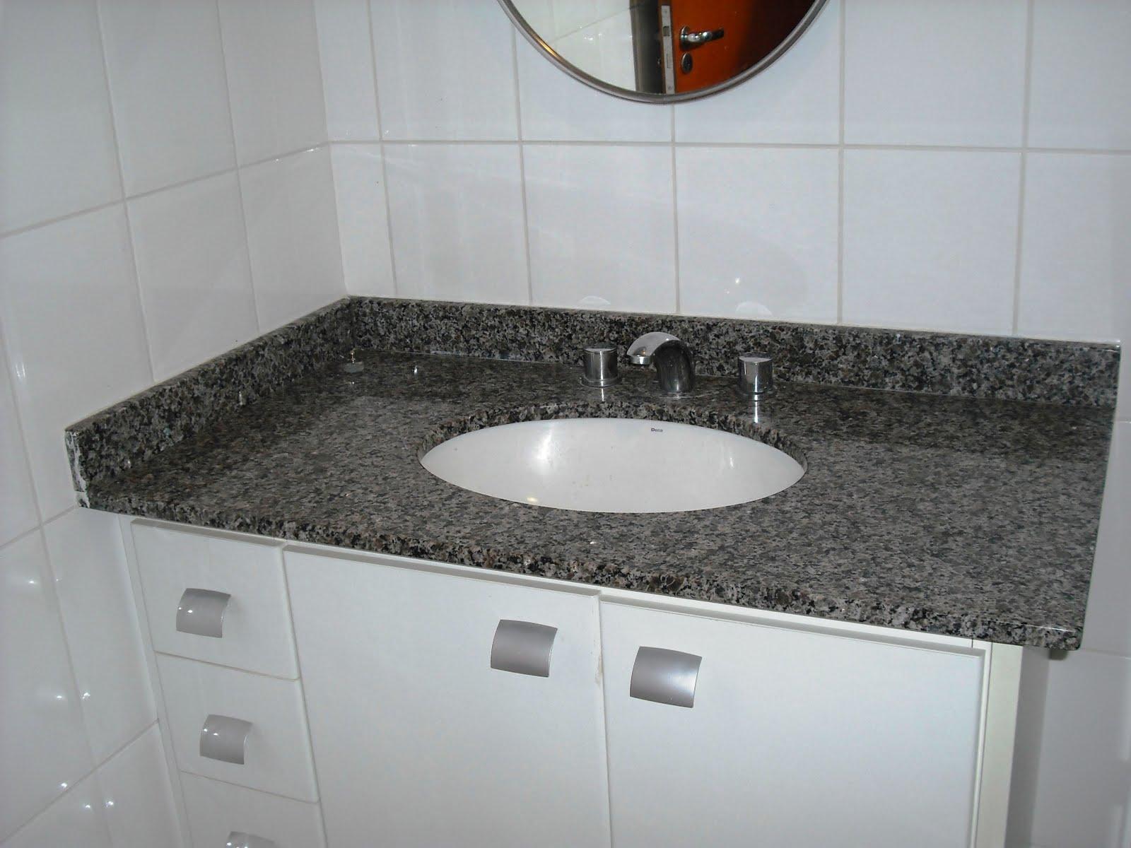 Banheiro Social com box blindex pia com tampo de granito gabinete #613320 1600 1200