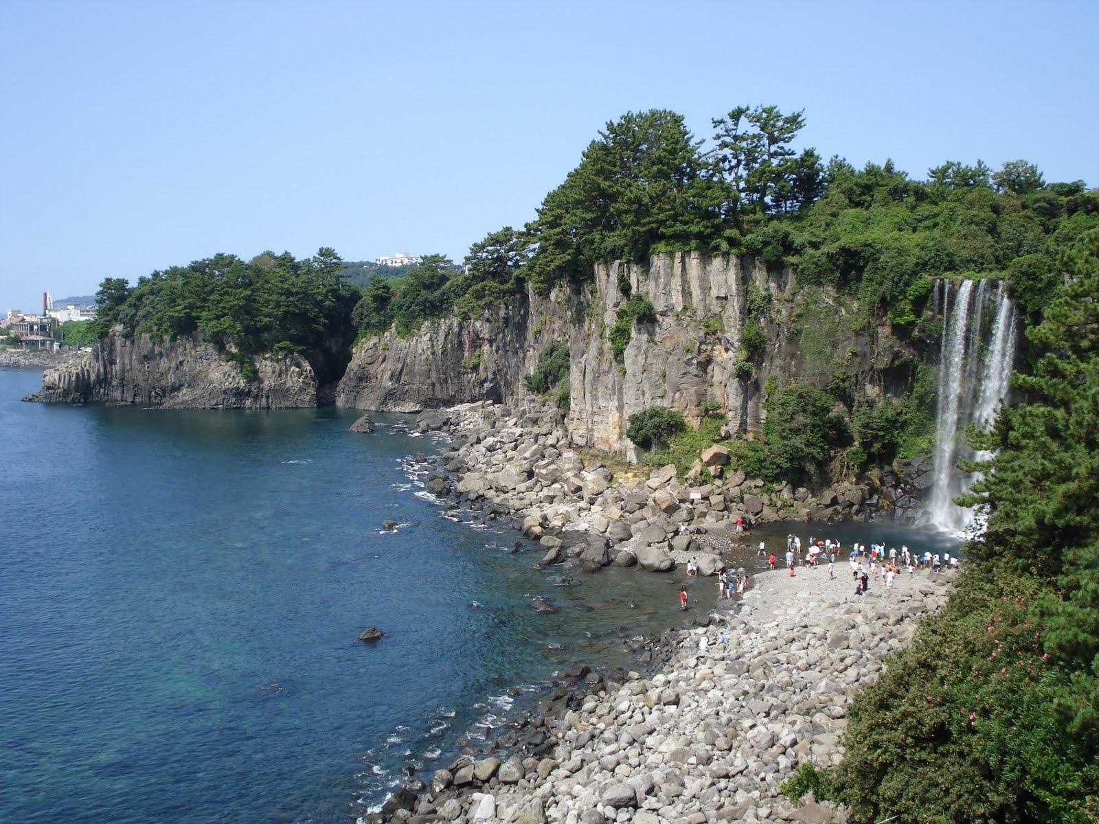 http://1.bp.blogspot.com/-bLwWrk1ykkk/TfOwl-flUjI/AAAAAAAAifU/XMoN48iuFXc/s1600/Isla+Jeju3.JPG
