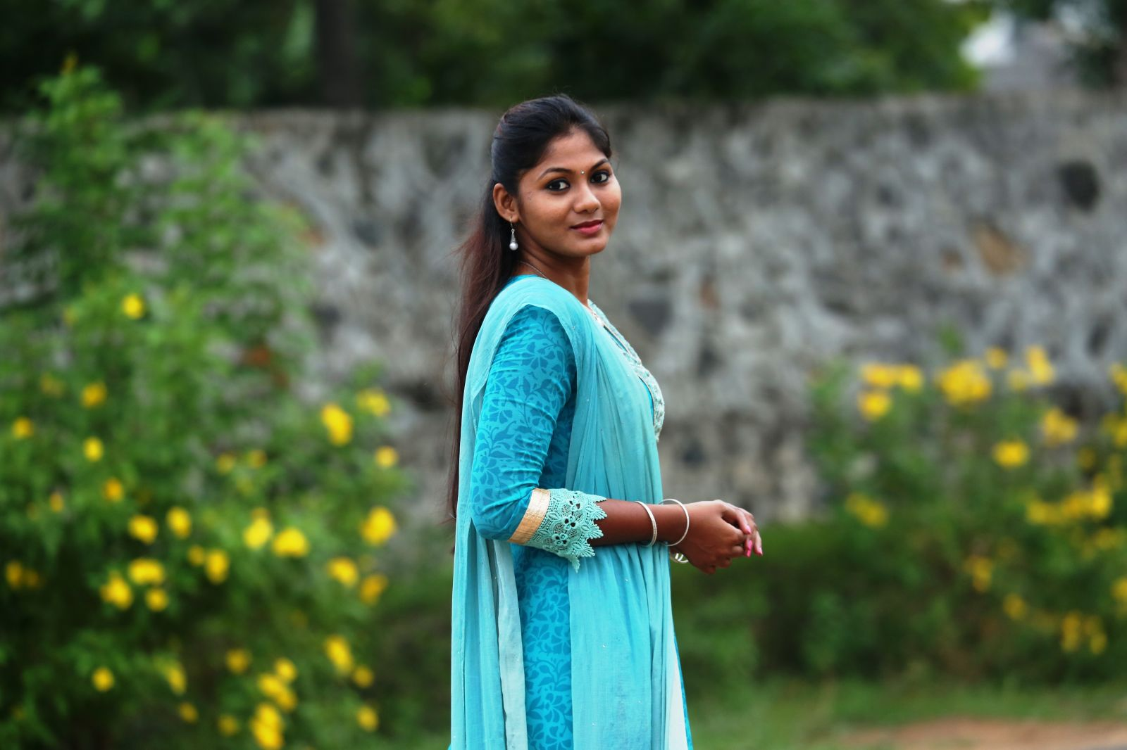 Actress Shruthi Reddy Latest HD Photos