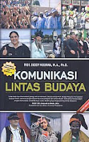 AJIBAYUSTORE Judul Buku : Komunikasi Lintas Budaya Pengarang : Prof. Deddy Mulyana, M.A., Ph.D.   Penerbit : Remaja Rosdakarya