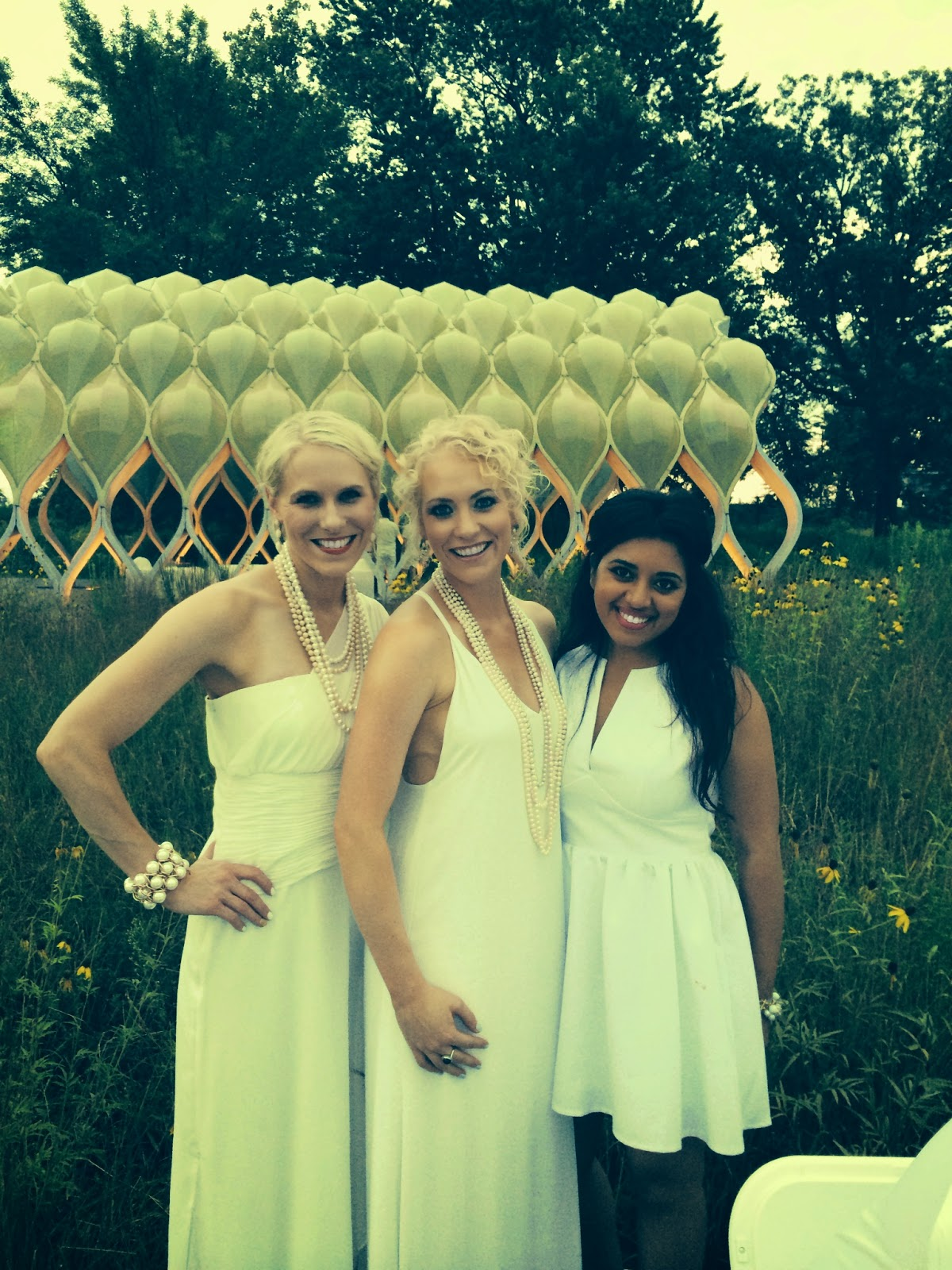 Diner en Blanc: The 'Dub Girls