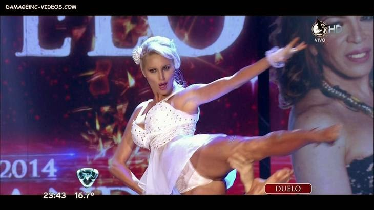 Vicky Xipolitakis crotch oops in HD video